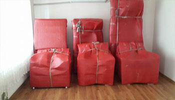 Taşınacak tüm eşyalarınız, özel ambalaj malzemelerimizle sağlam bir şekilde ambalajlanarak ve dikkatle yüklenerek taşıması yapılmaktadır.